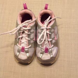 Baby/toddler Nike sneakers💕BOGO 1/2 off💕